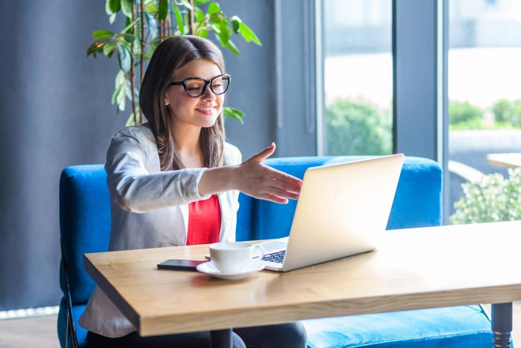 The dos and don'ts of online interviews